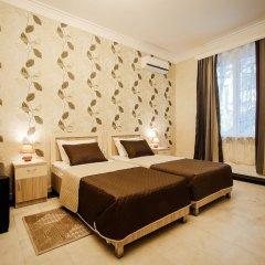 Отель Tomas House Тбилиси сейф в номере
