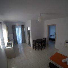 Отель Privé Hotel and Apartment Албания, Ксамил - отзывы, цены и фото номеров - забронировать отель Privé Hotel and Apartment онлайн комната для гостей фото 5