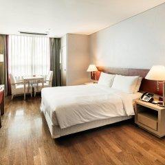 Отель Ramada Hotel and Suites Seoul Namdaemun Южная Корея, Сеул - 1 отзыв об отеле, цены и фото номеров - забронировать отель Ramada Hotel and Suites Seoul Namdaemun онлайн комната для гостей фото 2