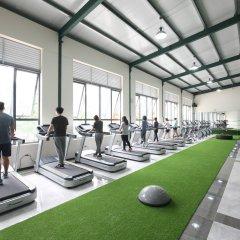 Отель Ninety Nine Center фитнесс-зал