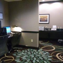 Отель Staybridge Suites Columbus-Airport удобства в номере