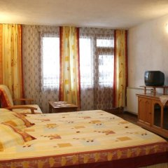 Отель Hadjipopov Green Lodge Банско комната для гостей фото 5