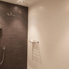 Отель Les Comtes De Mean Бельгия, Льеж - отзывы, цены и фото номеров - забронировать отель Les Comtes De Mean онлайн ванная