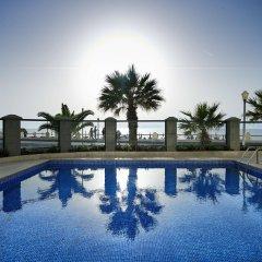 Mitsis La Vita Beach Hotel бассейн