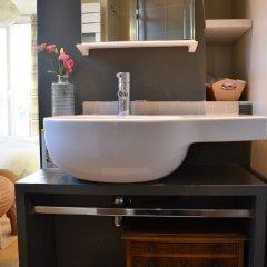 Отель Flat With Stunning Views in St Germain des Prés ванная фото 2