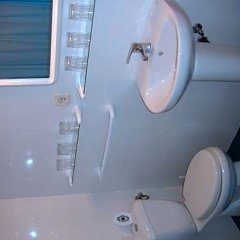 Отель Puerta del Sol Rooms Испания, Мадрид - отзывы, цены и фото номеров - забронировать отель Puerta del Sol Rooms онлайн ванная фото 2