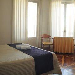 Отель Hostal Luis XV Испания, Мадрид - отзывы, цены и фото номеров - забронировать отель Hostal Luis XV онлайн комната для гостей фото 5