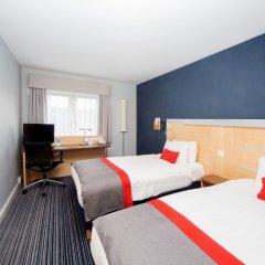 Отель Holiday Inn Express Edinburgh Royal Mile Эдинбург комната для гостей