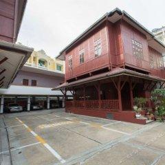Отель Baan Boran парковка