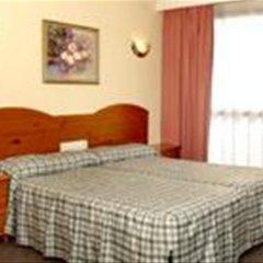 Отель Medina Azahara Торремолинос комната для гостей фото 2