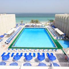 Beach Hotel Sharjah бассейн