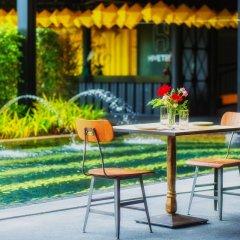 Отель Hivetel Таиланд, Бухта Чалонг - отзывы, цены и фото номеров - забронировать отель Hivetel онлайн гостиничный бар