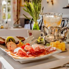 Отель The Villa Rosa Bed and Breakfast