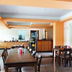 Отель Phuket Ecozy Hotel Таиланд, Пхукет - отзывы, цены и фото номеров - забронировать отель Phuket Ecozy Hotel онлайн питание фото 2