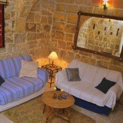 Отель Dar Ghax-Xemx Farmhouse Мальта, Виктория - отзывы, цены и фото номеров - забронировать отель Dar Ghax-Xemx Farmhouse онлайн питание
