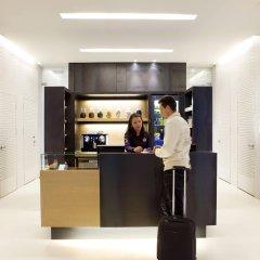 Отель Denit Barcelona Испания, Барселона - 9 отзывов об отеле, цены и фото номеров - забронировать отель Denit Barcelona онлайн гостиничный бар