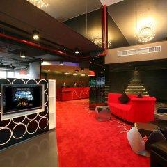 Отель Galleria 10 Sukhumvit Bangkok by Compass Hospitality гостиничный бар