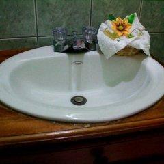 Отель Mary's Hotel Гондурас, Копан-Руинас - отзывы, цены и фото номеров - забронировать отель Mary's Hotel онлайн ванная
