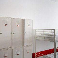 Check In Hostel Berlin сейф в номере