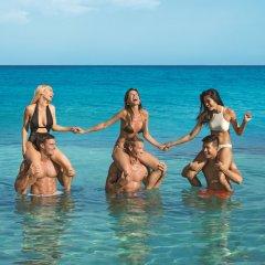 Отель Breathless Montego Bay - Adults Only - All Inclusive Ямайка, Монтего-Бей - отзывы, цены и фото номеров - забронировать отель Breathless Montego Bay - Adults Only - All Inclusive онлайн спортивное сооружение