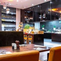 Отель Radisson Blu Hotel Zurich Airport Швейцария, Цюрих - 1 отзыв об отеле, цены и фото номеров - забронировать отель Radisson Blu Hotel Zurich Airport онлайн питание фото 2