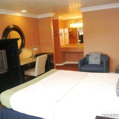 Отель Hollywood Inn Express South США, Лос-Анджелес - отзывы, цены и фото номеров - забронировать отель Hollywood Inn Express South онлайн удобства в номере