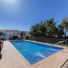 Отель Villas Flamenco Beach Conil Испания, Кониль-де-ла-Фронтера - отзывы, цены и фото номеров - забронировать отель Villas Flamenco Beach Conil онлайн бассейн фото 3