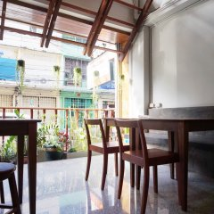 Boon Street Hostel балкон
