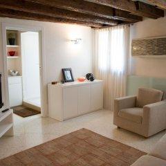 Отель Just Relax Apartment Италия, Венеция - отзывы, цены и фото номеров - забронировать отель Just Relax Apartment онлайн комната для гостей фото 2