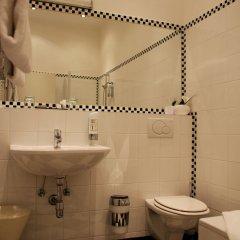 Отель Das Opernring Hotel Австрия, Вена - 6 отзывов об отеле, цены и фото номеров - забронировать отель Das Opernring Hotel онлайн ванная фото 2
