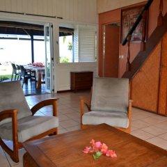 Отель Maison Te Vini Holiday home 3 Французская Полинезия, Пунаауиа - отзывы, цены и фото номеров - забронировать отель Maison Te Vini Holiday home 3 онлайн интерьер отеля