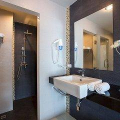 Отель Chanalai Hillside Resort, Karon Beach ванная