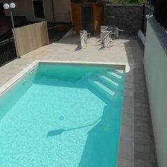 Отель U Caruggiu Боргомаро бассейн