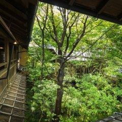 Отель Kurokawa Onsen Oyado Noshiyu Япония, Минамиогуни - отзывы, цены и фото номеров - забронировать отель Kurokawa Onsen Oyado Noshiyu онлайн балкон