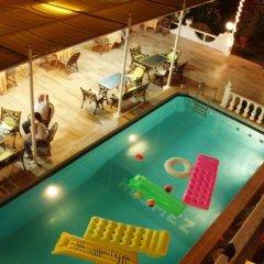 Kusmez Hotel Турция, Алтинкум - отзывы, цены и фото номеров - забронировать отель Kusmez Hotel онлайн бассейн фото 3