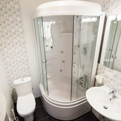 Central Hotel Львов ванная фото 2
