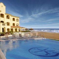 Отель Estrella del Mar бассейн