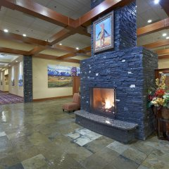 Отель Deerfoot Inn & Casino Канада, Калгари - отзывы, цены и фото номеров - забронировать отель Deerfoot Inn & Casino онлайн интерьер отеля