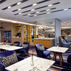 Отель Pullman Kuala Lumpur City Centre Hotel & Residences Малайзия, Куала-Лумпур - отзывы, цены и фото номеров - забронировать отель Pullman Kuala Lumpur City Centre Hotel & Residences онлайн гостиничный бар