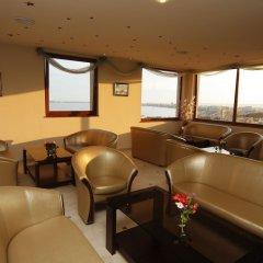 Отель Relax Holiday Complex & Spa Болгария, Свети Влас - отзывы, цены и фото номеров - забронировать отель Relax Holiday Complex & Spa онлайн интерьер отеля