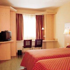 Отель NH Madrid Barajas Airport комната для гостей фото 5