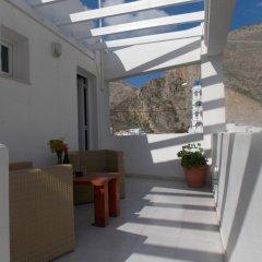 Отель Sunrise Studios Perissa Греция, Остров Санторини - 8 отзывов об отеле, цены и фото номеров - забронировать отель Sunrise Studios Perissa онлайн балкон