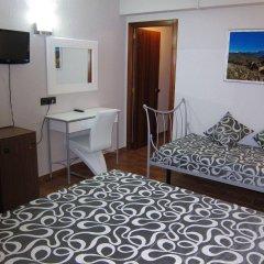 Отель Mesón de L'Ainsa Испания, Аинса - отзывы, цены и фото номеров - забронировать отель Mesón de L'Ainsa онлайн комната для гостей фото 2