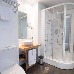 Отель Petit Palace Plaza del Carmen ванная фото 2