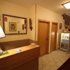 Отель Budavar Pension интерьер отеля