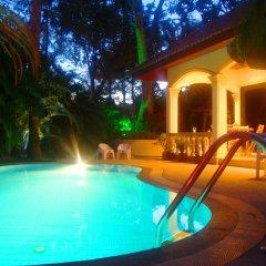 Отель Coconut Paradise Villas бассейн