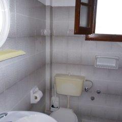 Отель Villa Helen's Apartments Греция, Корфу - отзывы, цены и фото номеров - забронировать отель Villa Helen's Apartments онлайн ванная