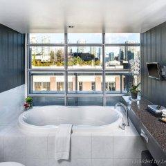 Отель Opus Hotel Канада, Ванкувер - отзывы, цены и фото номеров - забронировать отель Opus Hotel онлайн бассейн