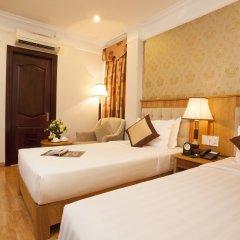 Roseland Point Hotel сейф в номере