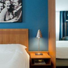 Отель Inntel Centre Амстердам сейф в номере